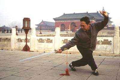 Фэн Чжицян с мечом Цзянь